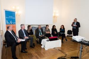 La tavola rotonda è stata moderata da Nicola Piccinini, direttore dell'agenzia di stampa DIRE